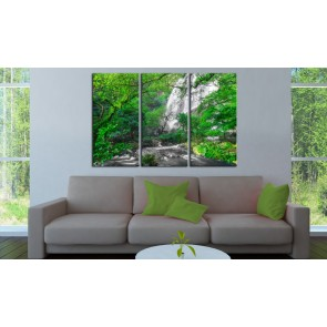 Quadro - Beautiful Waterfall: Green Forest