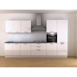 Cucina moderna con lavastoviglie e forno multifunzione